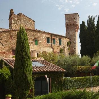 Veduta delle Mura con Torri Medievali